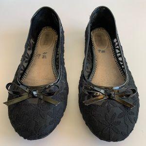 Bongos Black Lace Bow Tie Ballet Falts